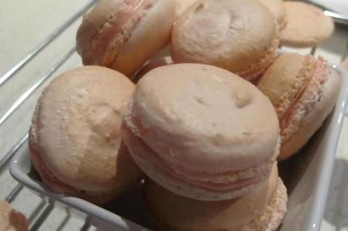The first macarons